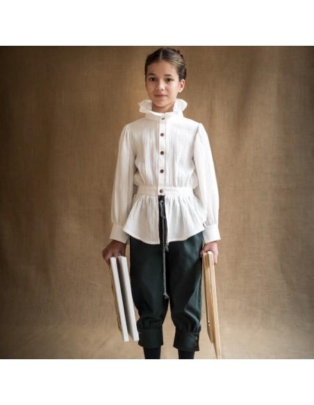 P01-Pantalon PINTOR Abeto con B03- Blusa HAMMERSHOI Cruda
